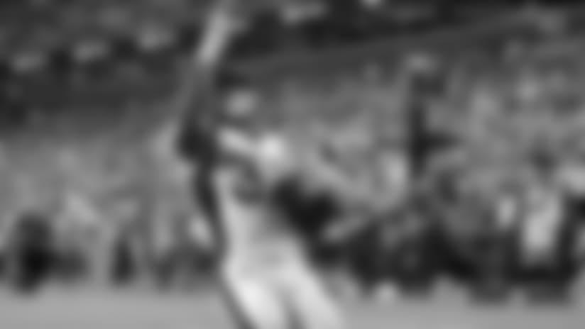 Royce Freeman shakes off multiple tacklers for 24-yard TD vs. Washington