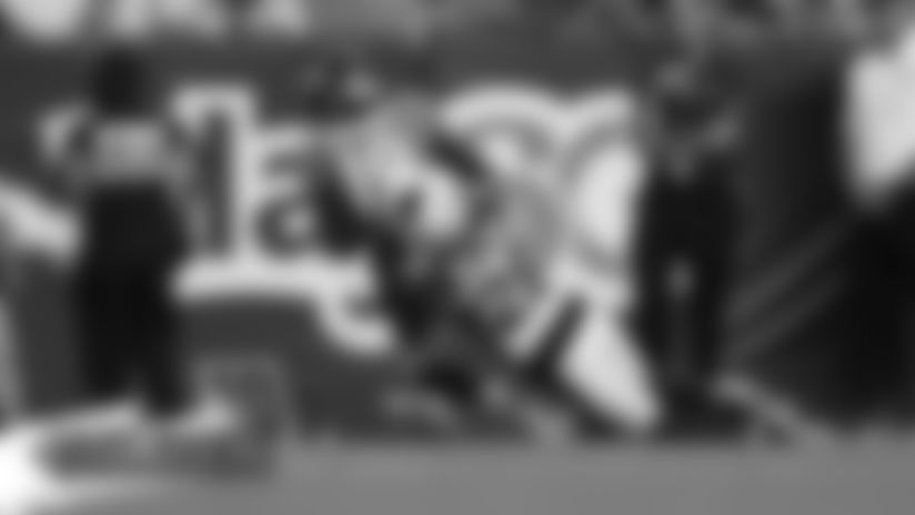 #AZvsDEN: Fred Brown hauls in touchdown to extend lead
