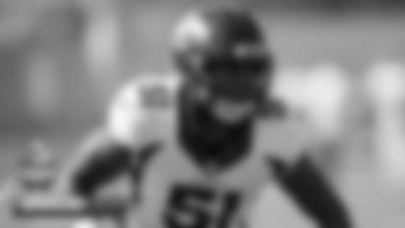 #BroncosCamp Injury Report: Todd Davis, Von Miller, Melvin Gordon suffer injuries at practice, Hamler out with hamstring injury