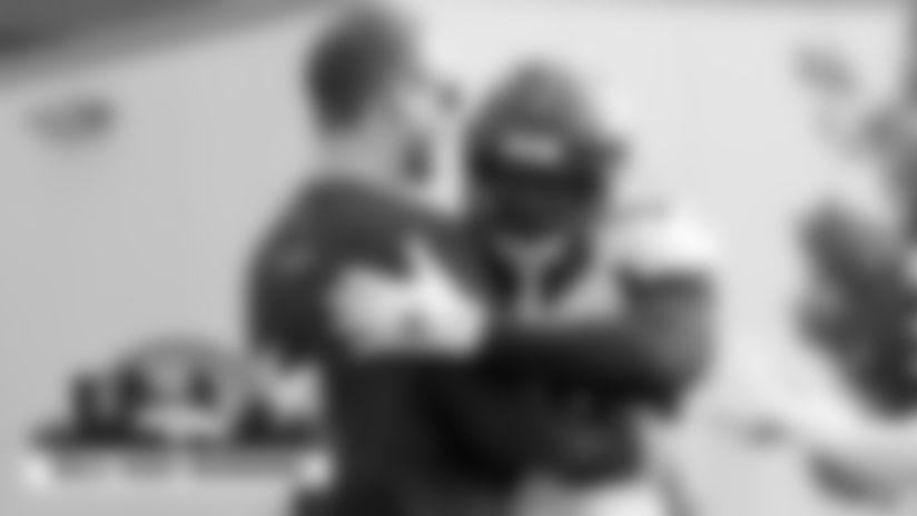 Mile High Morning: Peyton Manning, J.J. Watt, Russell Wilson send messages to Von Miller after injury