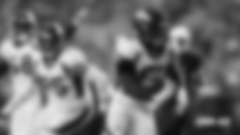 Todd Davis 'shouts' in celebration following pick-six touchdown