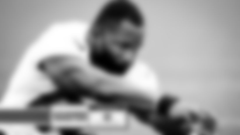 Browns sign DE George Obinna