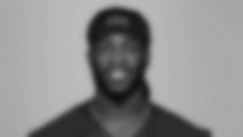 Linebacker Ray-Ray Armstrong (52)