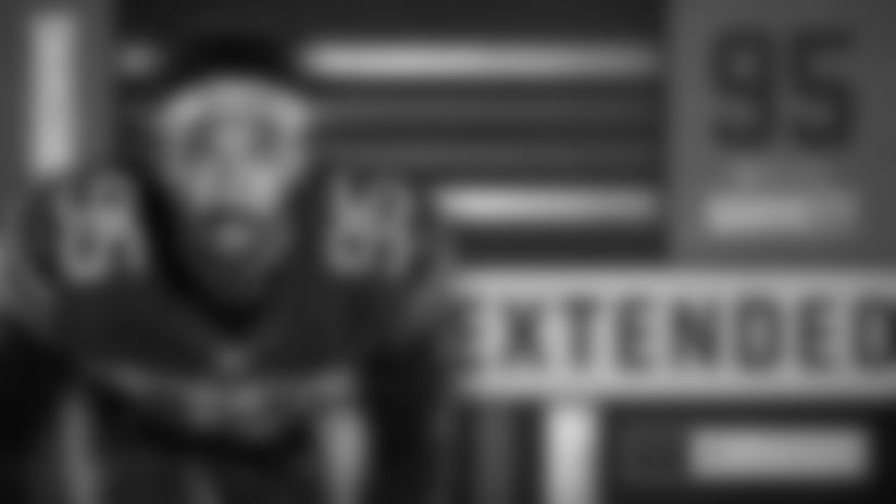 Browns Pro Bowl DE Myles Garrett signs contract extension
