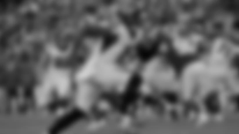 Atlanta Falcons wide receiver Julio Jones (center) runs a pass route during an NFL football game against the Washington Redskins, Sunday, Nov. 4, 2018, in Landover, Md. (AP Photo/Mark Tenally)