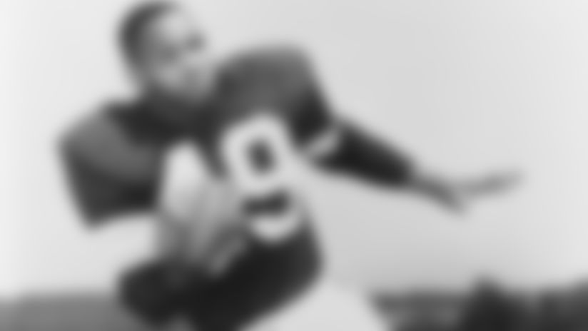Hall of Famer Bobby Mitchell, who began his memorable career with Browns, passes away