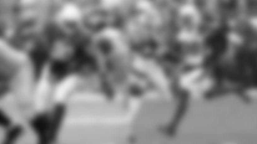 The Cardinals are bringing back defensive lineman Jonathan Bullard (90) and safety Chris Banjo (38).