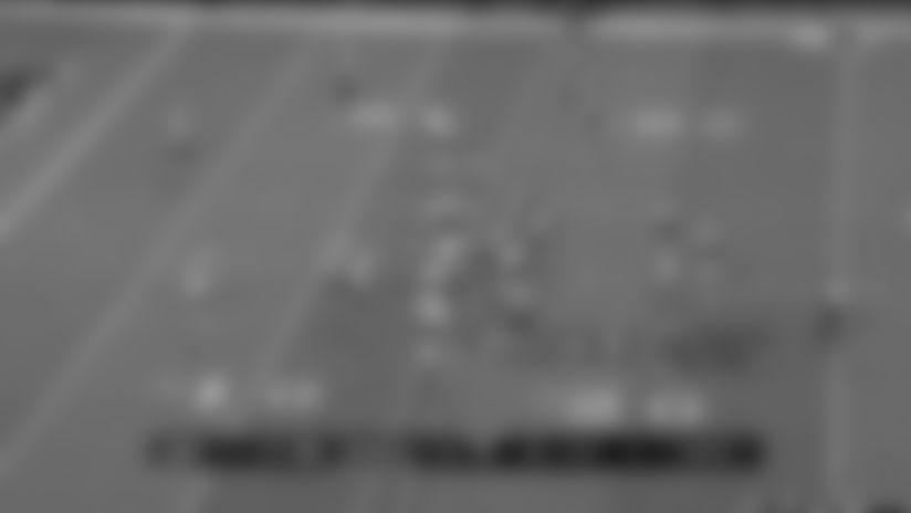 Murray Evades Defenders On Speedy Zone-Read TD
