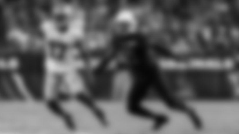 Cardinals cornerback Patrick Peterson (right) struggled to defend 49ers wide receiver Emmanuel Sanders last Thursday.