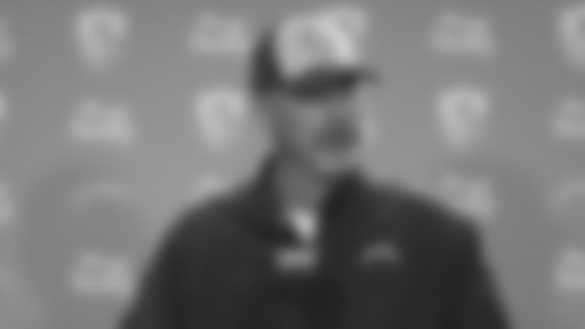 Gus Bradley on Trust Throughout Defensive Line