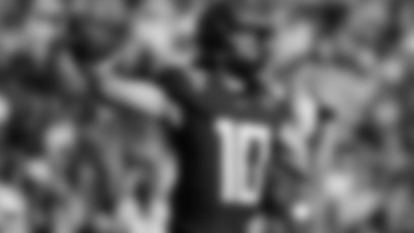 Oregon quarterback Justin Herbert passes against Wisconsin during first half of the Rose Bowl NCAA college football game Wednesday, Jan. 1, 2020, in Pasadena, Calif. (AP Photo/Marcio Jose Sanchez)