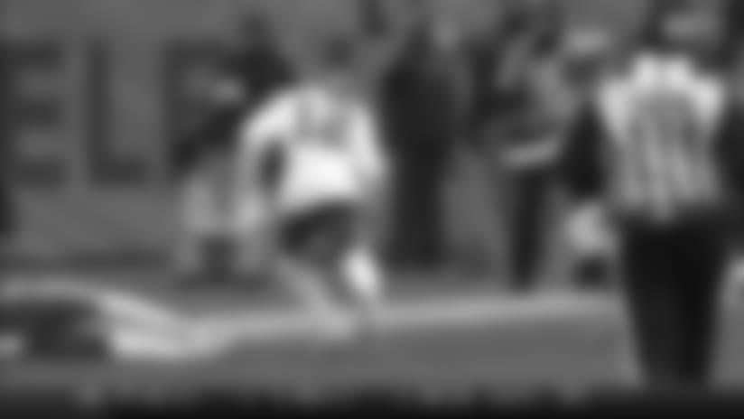 Patrick Mahomes Finds Albert Wilson for 24 Yard Gain