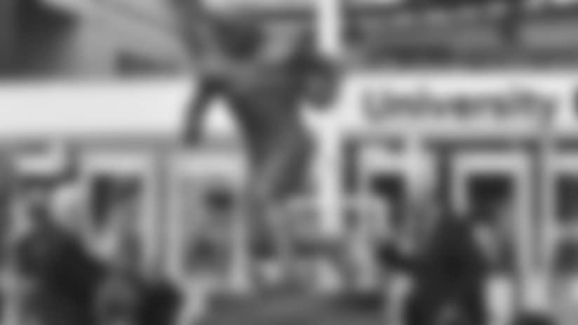 jim-brown-statue.jpg