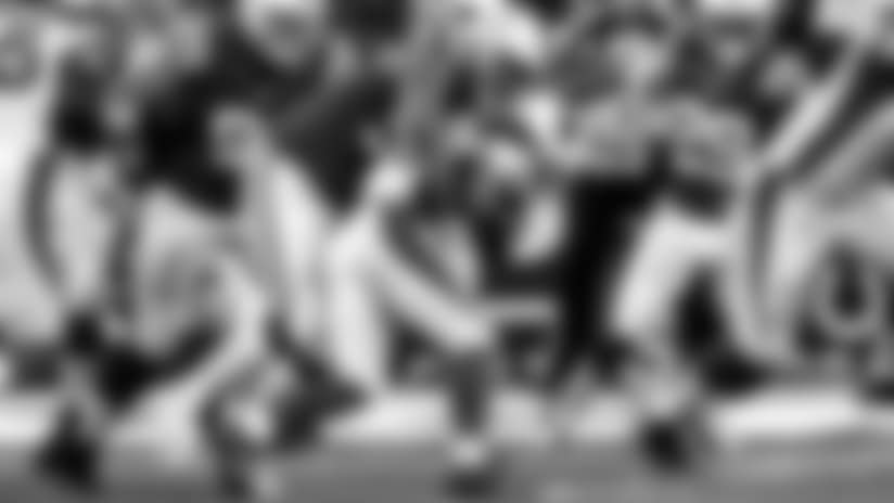 091717_ind-ariz-hankins-tackle
