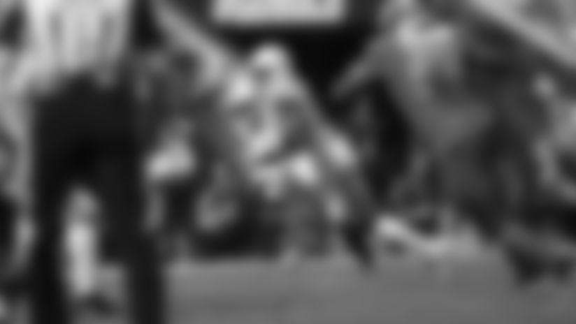 HIGHLIGHT | Darius Leonard Jumps Winston's Pass For Interception
