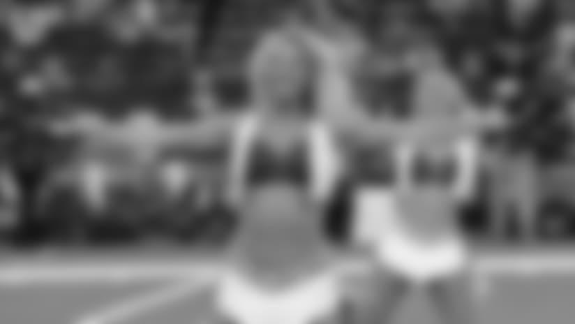 PHOTOS: Cheerleader of the Week: SAMMY (Game Day)