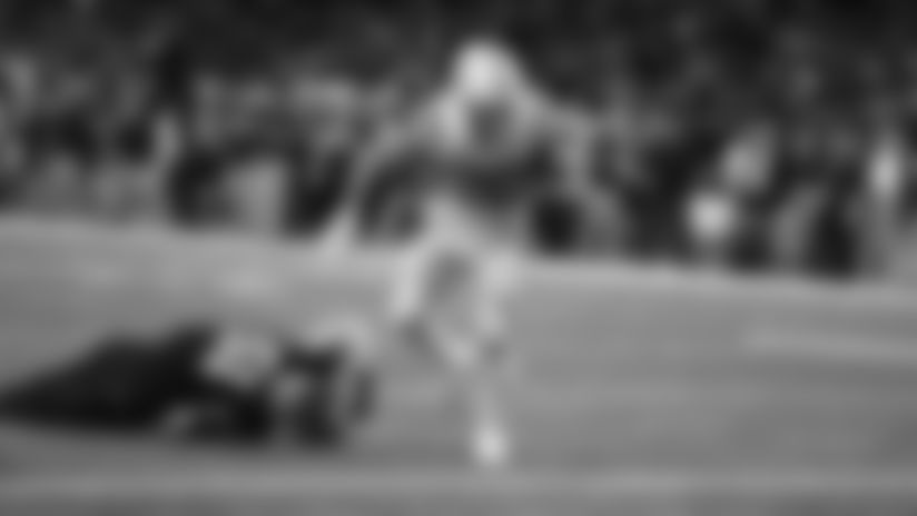 HIGHLIGHT | Jordan Wilkins Rushes For The Score In The Fourth Quarter