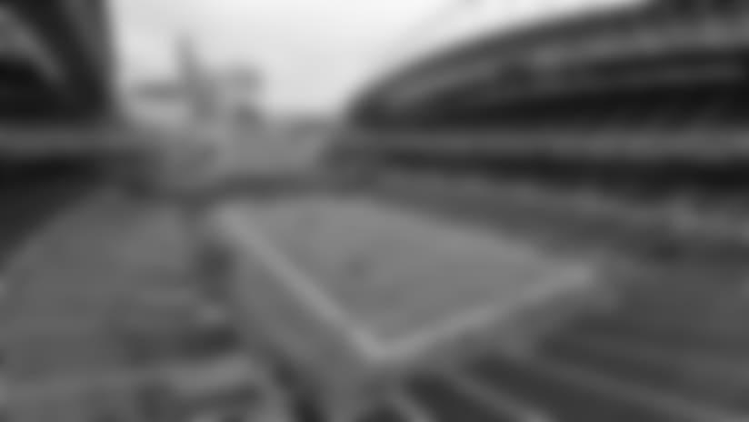 09152013_seahawks-centurylink-exterior-ap