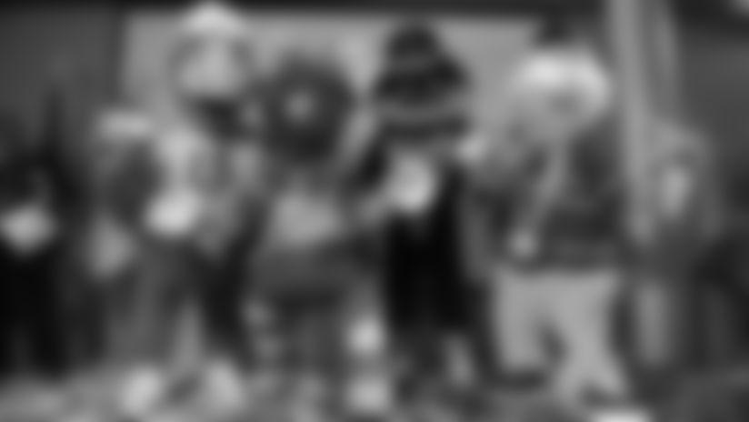 2019_1211_Mascot_HOF_0193