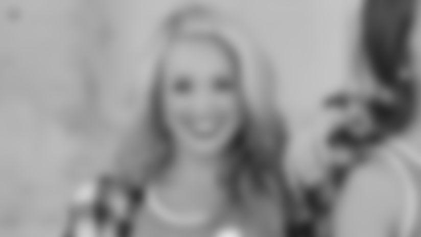 Cheerleader Of The Week - Kaitlyn's Lids Photoshoot