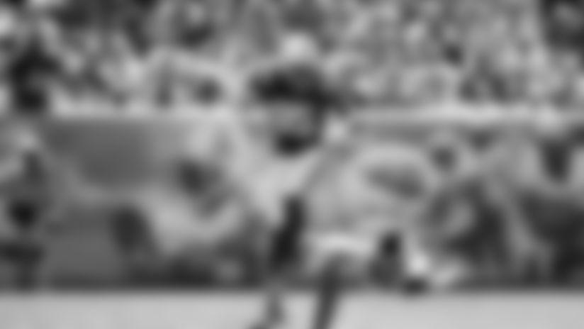 HIGHLIGHT | Ebron Hurdles Titans Defender For First Down