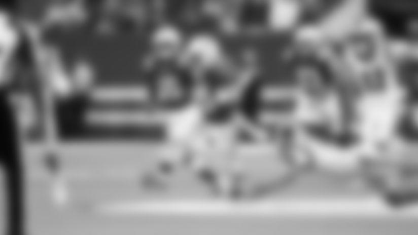 HIGHLIGHT | Nyheim Hines Breaks Free On 40-Yard Punt Return