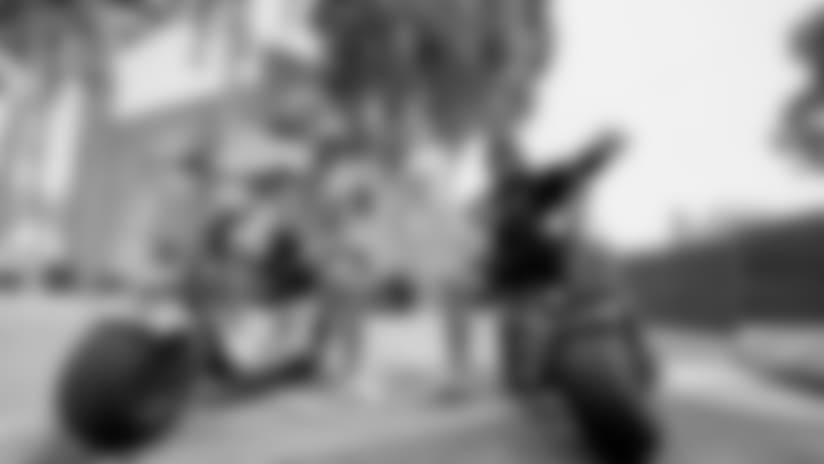 (4)20180810_Dak Oline Surprise_Selects_JJ_008742