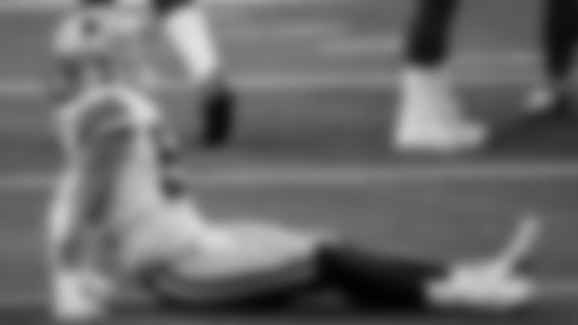 Vander-Esch's-Injury-Status-Ahead-Of-Eagles-Game-hero