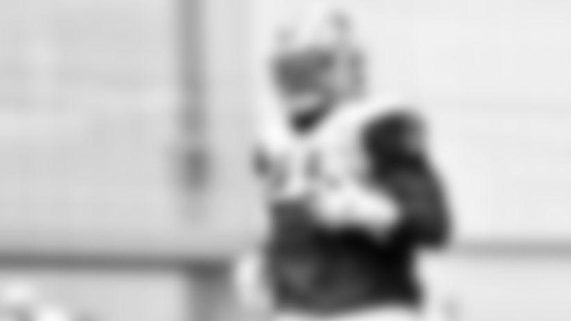Elliott-Focused-On-Offenses-Edge-Not-Carries-thumb