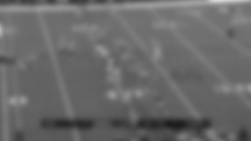 Tony Pollard Stampedes For 25-yard Gain