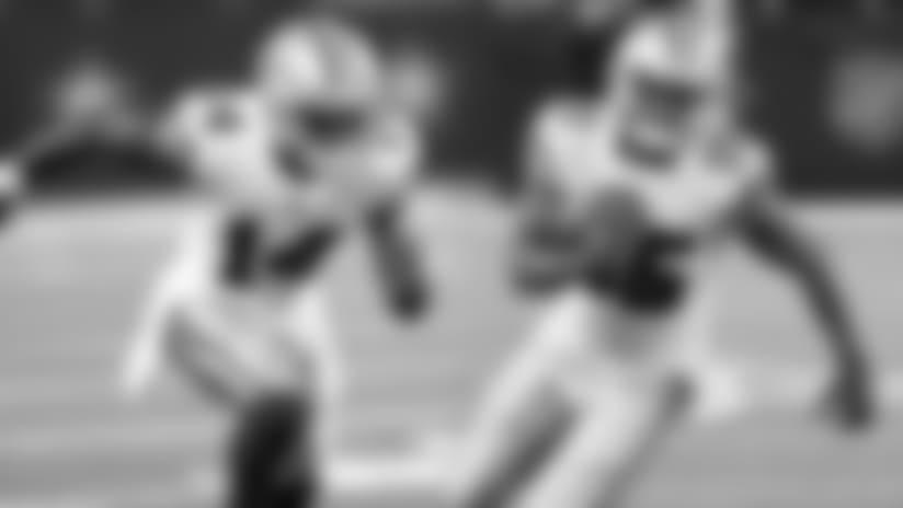 Cowboys cortan a Deonte Thompson y añaden dos receptores a su lista activa