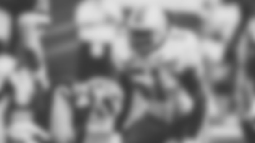 Linebacker Bryan Cox vs Bills