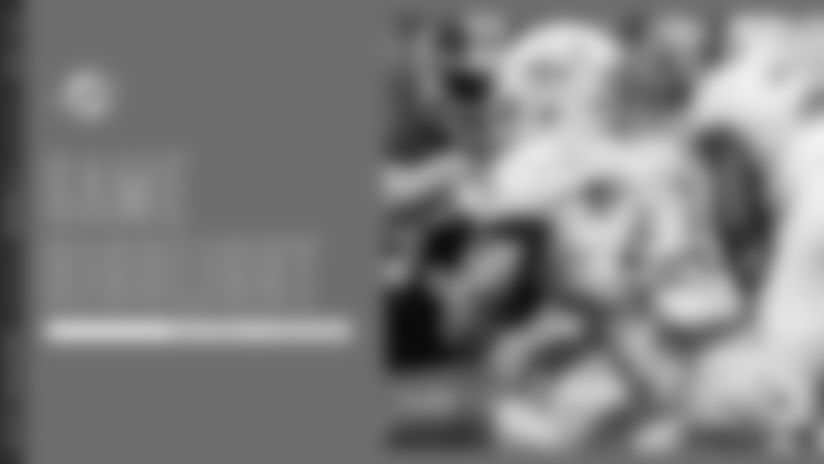 Mark Walton Breaks Loose For 16-Yard Gain
