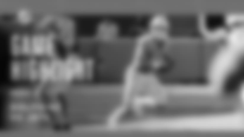 Kiko Alonso Intercepts Sam Darnold's Pass, Returned 14 Yards