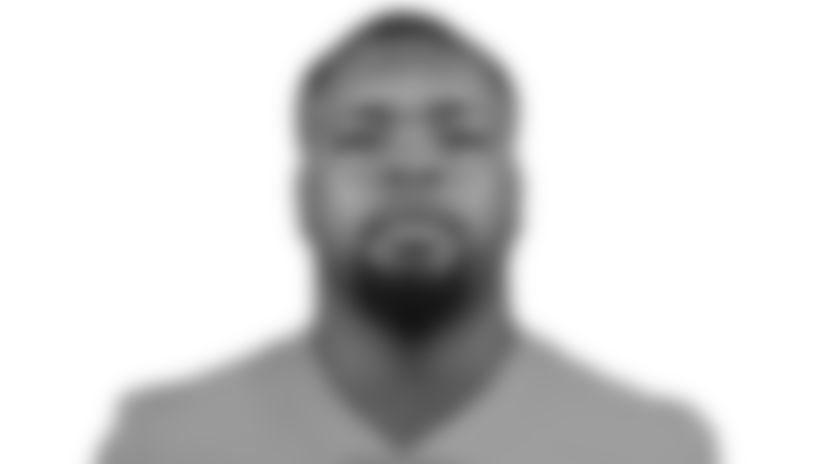 Photo: Headshot - Defensive Tackle Benito Jones