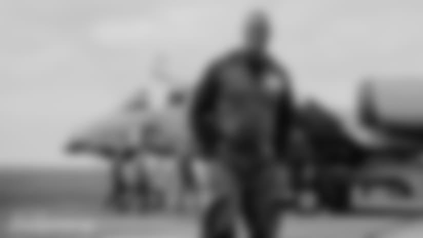 DOLPHINS DARKROOM: Alumni And Cheer Visit Troops