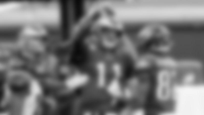 Highlight: Carson Wentz rushes for a 7-yard touchdown vs. Cincinnati Bengals