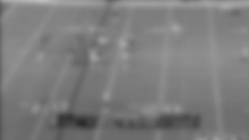 Highlight: Wentz unleashes laser throw to Ertz big 25-yard pickup