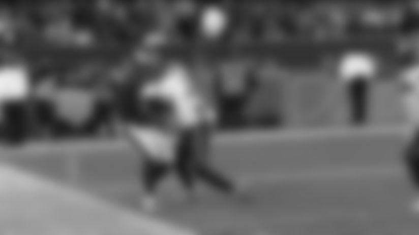 Highlight: Arcega-Whiteside hangs on for tough toe-tapping sideline grab
