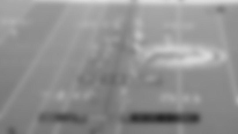 Highlight: Alshon Jeffery uses big frame to corral 16-yard floater from Wentz