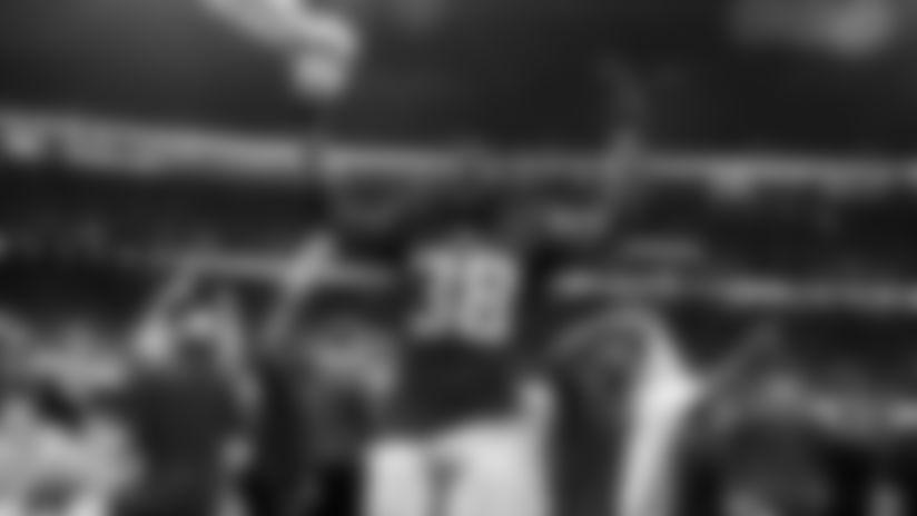 Atlanta Falcons running back Kenjon Barner #38 celebrates after defeating the Philadelphia Eagles 24-20 at Mercedes-Benz Stadium in Atlanta, GA, on Sunday September 15, 2019. (Photo by Jacob Gonzalez/Atlanta Falcons)