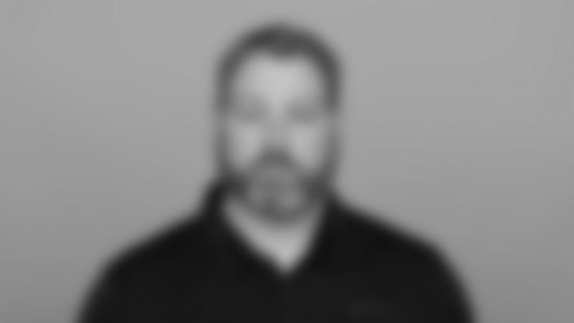 Headshot image of Atlanta Falcons Defensive Assistant Matt Pees