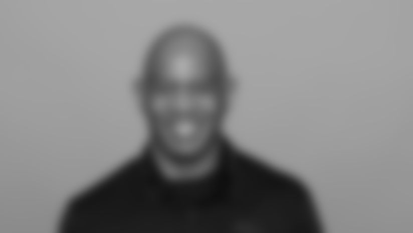 Headshot image of Atlanta Falcons Quaterbacks Coach Charles London