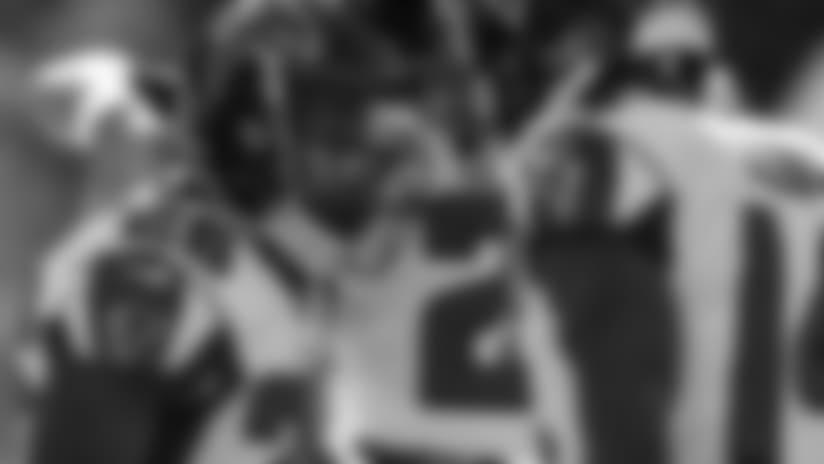 Tevin Coleman bursts past defense on 39-yard TD