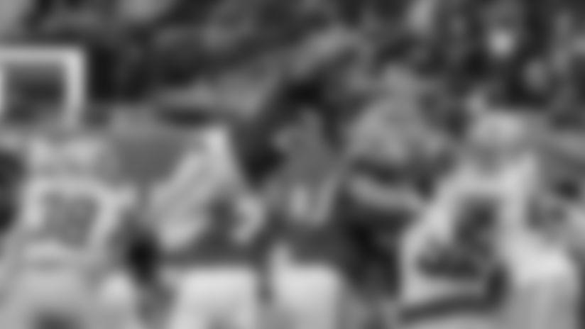 El jugador de los Giants de Nueva York, Saquon Barkley, anota un touchdown durante la segunda mitad del partido de la NFL contra los Cowboys de Dallas, el domingo 30 de diciembre de 2018, en East Rutherford, Nueva Jersey. (AP Foto/Frank Franklin II)