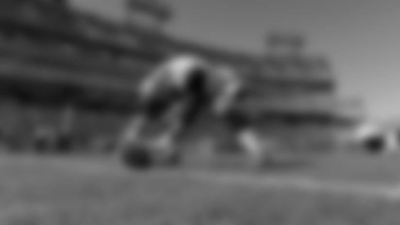 Giants sign LS Carson Tinker, waive TE Rysen John