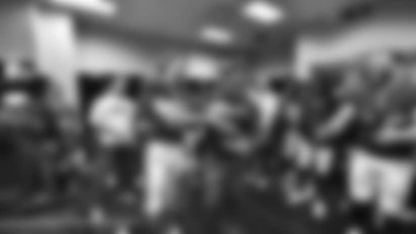 Watch Giants locker room celebration
