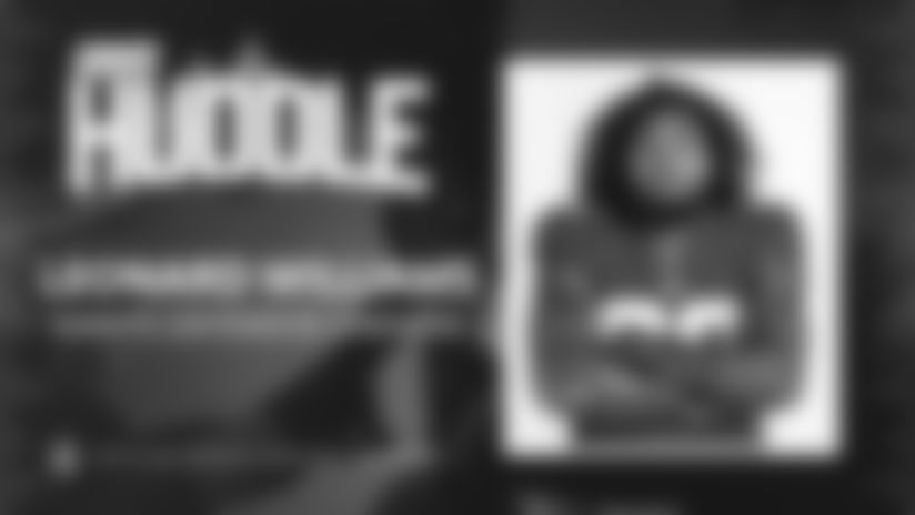 Giants Huddle | Leonard Williams