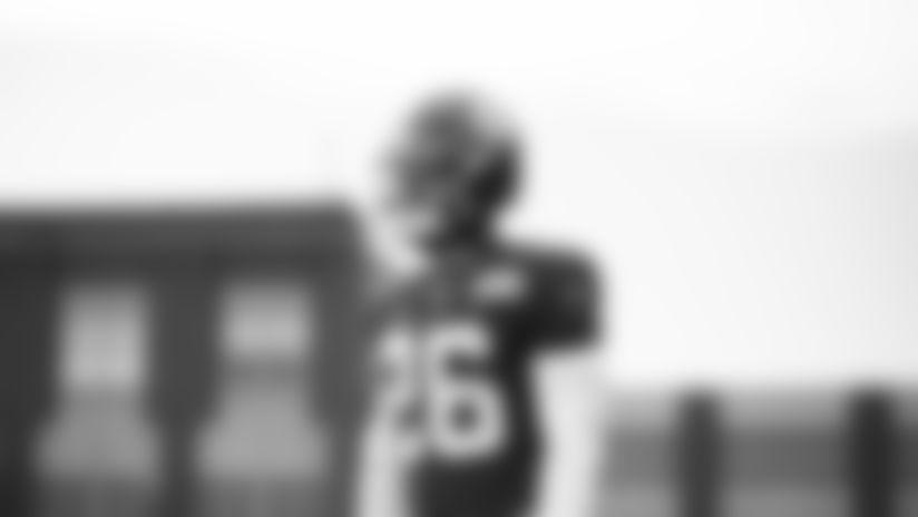 RB Saquon Barkley (26)