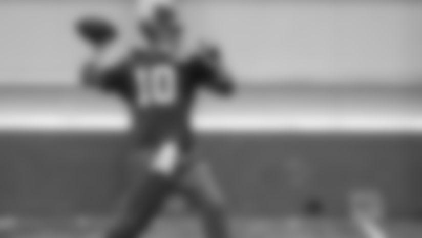 QB Eli Manning (10)